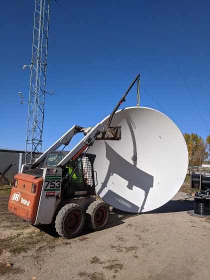How to Hoist Large Satellite Antennas